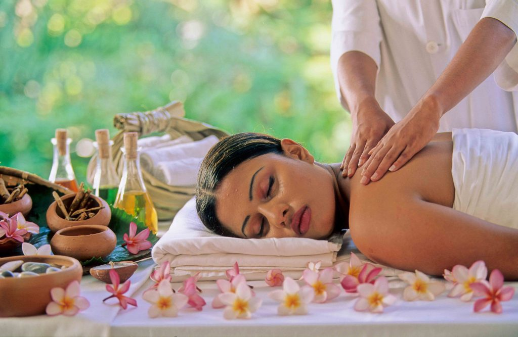 Aromatherapy through skin, essential oil massage